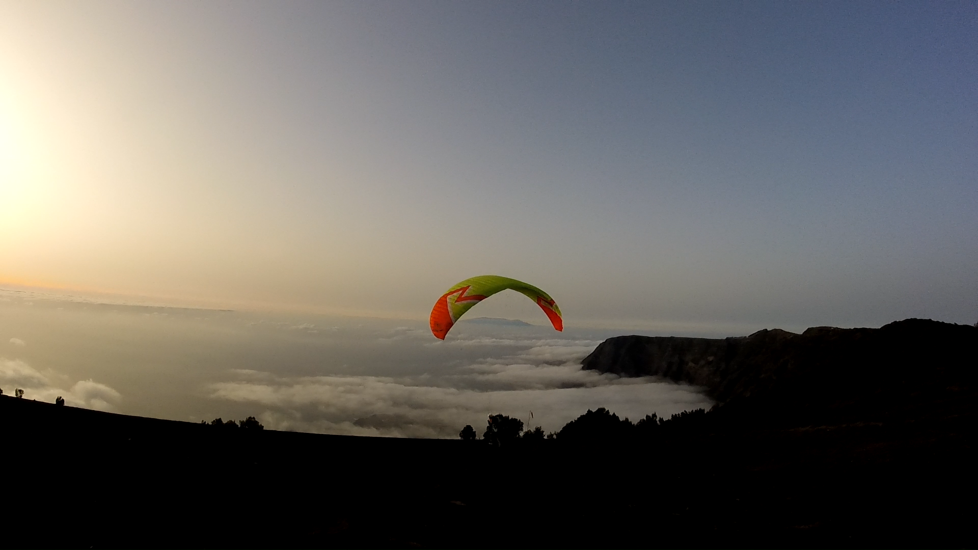 Fly Paragliding Tenerife and El Hierro