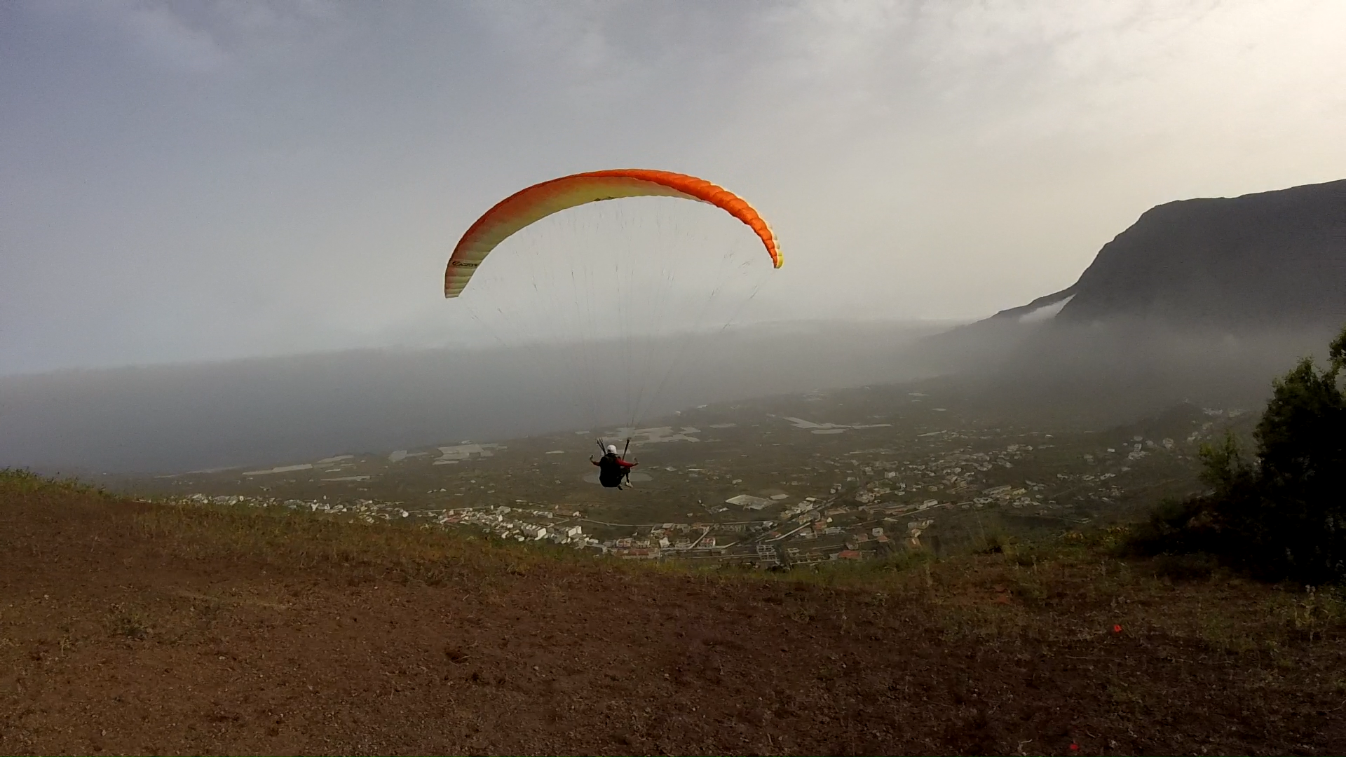 FLY PARAGLIDING TENERIFE, PARAGLIDING TENERIFE, PARGLIDING SCHOOL. LEARN TO FLY TENERIFE, HOLIDAYS TENERIFE, FLY TENERIFE, Fly paragliding tenerife. Paragliding School tenerife and el hierro. Paragliding holidays tenerife and el hierro