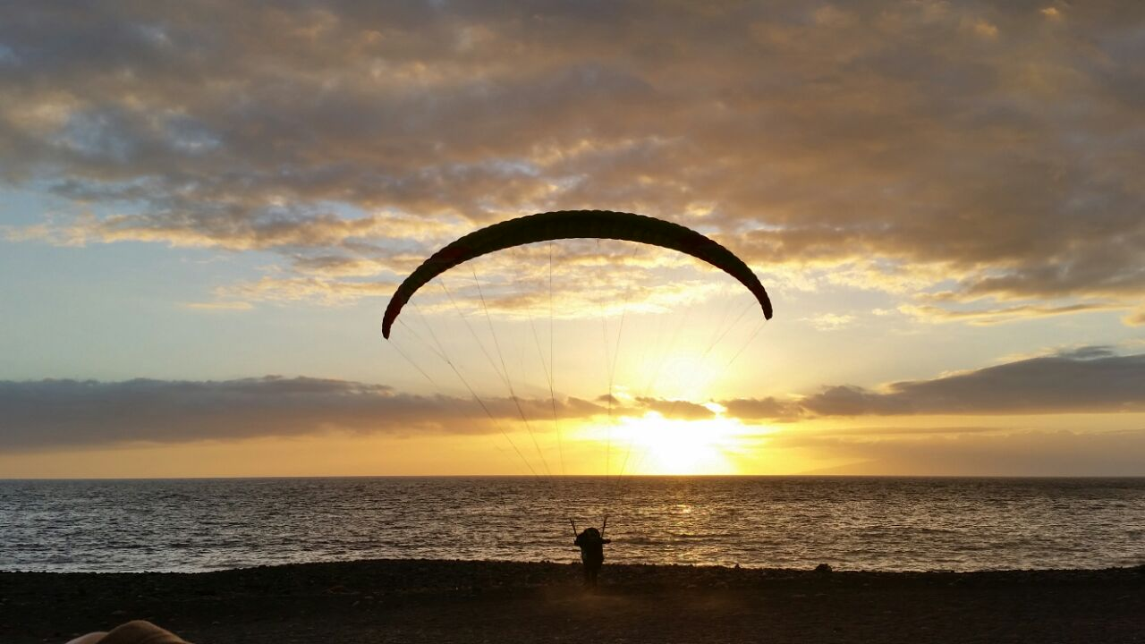 Fly paragliding tenerife